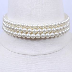 Jewelry - Pearl choker necklace!! 🎀